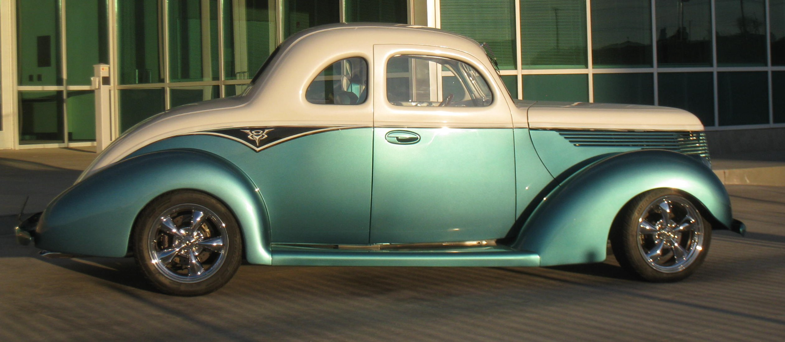 J and b classics and equipment 1938 ford two door coupe for 1938 ford 2 door coupe